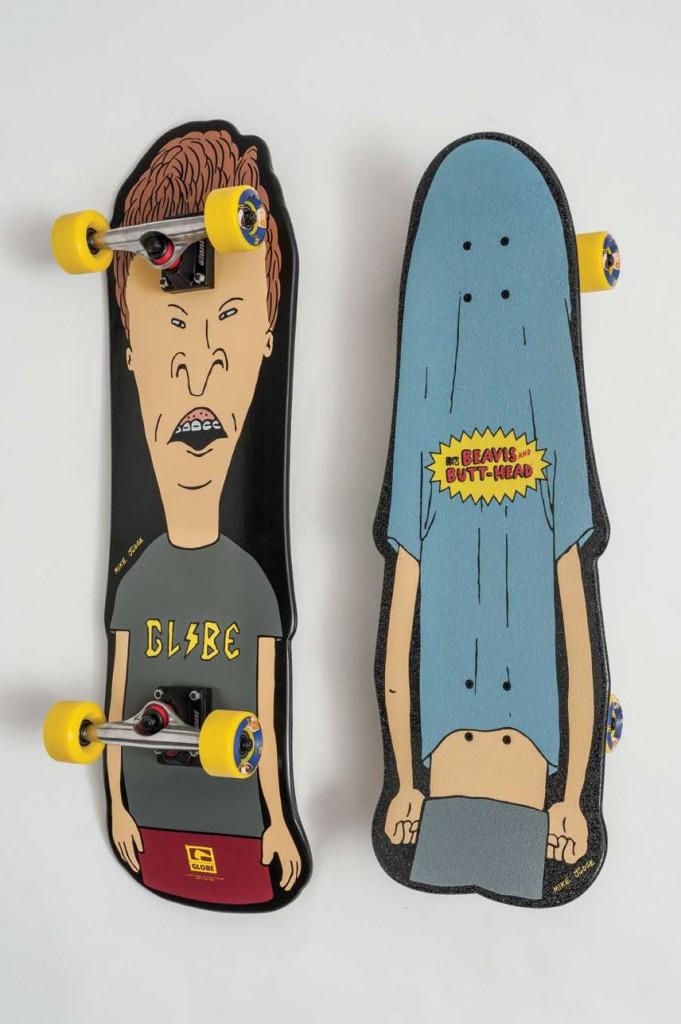 globe-beavis-butthead-skateboard-cruiser-681x1024